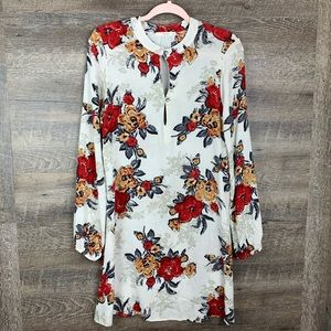Le Lis Floral Tunic with Double Keyhole Opening